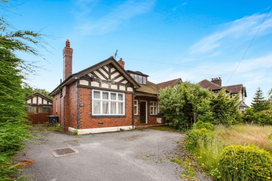 Crewe, 4 bedrooms